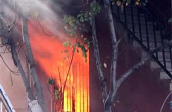 Karısına kızdı evini ateşe verdi