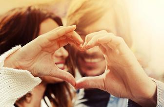 14 Şubat Sevgililer Günü'ne özel burç yorumları Hande Kazanova