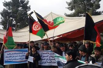 Afganistan'da Türkmenler sokağa döküldü