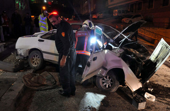 Ankara'da otomobil alt sokağa uçtu! Yaralılar var