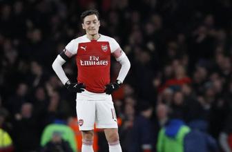 Arsenal'da Mesut Özil kadroya alınmadı