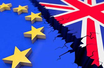 İngiltere'de hükümete Brexit darbesi