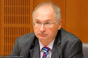 Slovenya'da milletvekili sandviç çaldı