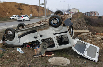 Samsun'da feci kaza! Panelvan minibüsle ticari araç çarpıştı