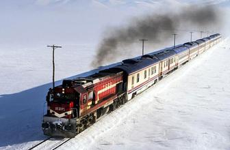 Yavuz Bingöl'le Doğu Ekspres'i yolculuğu Kara Tren türküsü eşliğinde harika manzaralar
