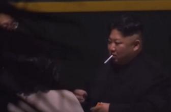 Kuzey Kore lideri Kim trende sigara içti