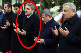 Erdoğan elini dahi sıkmamıştı! Ahmet Davutoğlu'nun yanındaki adam bakın kim