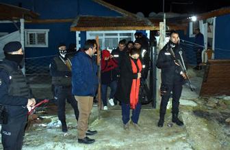 Mandırada kumar operasyonu 54 kişi gözaltına alındı
