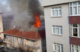 Bahçelievler'de binanın çatısı alevler içinde kaldı!