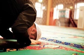 Cuma namazı nasıl kılınır kaç rekat kılınışı ve duaları