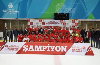Buz hokeyi erkeklerde şampiyon Zeytinburnu Belediyesi Spor Kulübü oldu