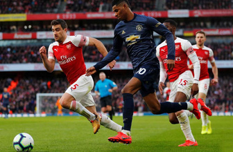 Arsenal Manchester United'ın havasını söndürdü