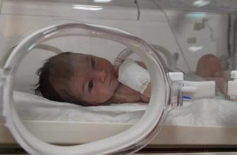 Kilis'te hasta bebek parka terk edildi