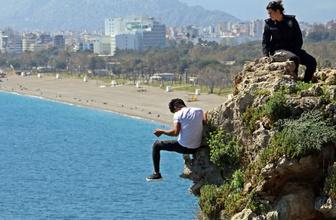 Antalya falezlerde korku dolu anlar