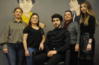 Bursa'da 18 yaşında fenomen oldu ülke dışından randevu alıp sıraya giriyorlar