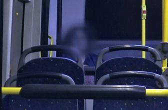 Metrobüslerde herkes iniyor o oturmaya devam ediyor genç kadının gizemi çözüldü