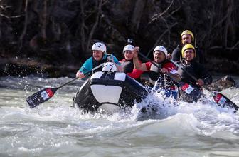 Bakan Varank Munzur nehrinde rafting yaptı