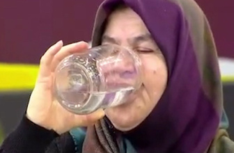 Günde 25 litre su içen 66 yaşındaki Necla Teyze'nin hayat hikayesiyle ağızları açık bıraktı!