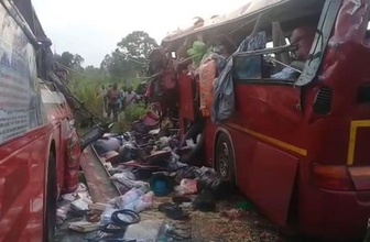 Gana'da iki yolcu otobüsü çarpıştı: 60 ölü