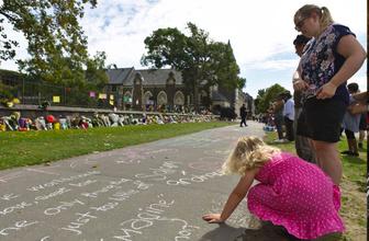Yeni Zelanda'da saldırıya uğrayan camiler ziyarete açıldı!