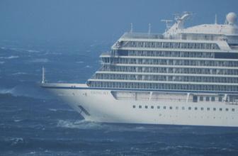 Norveç'ten yola çıkan Viking Sky gemisi için nefesler tutuldu