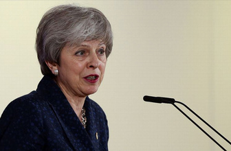 """İngiltere Başbakanı May'e """"İslamofobi tanımını kabul et"""" çağrısı"""