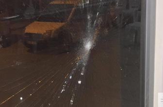 AK Parti seçim merkezine taşlı saldırı: 2 gözaltı