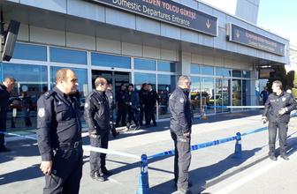 Kayseri Havalimanı'nda silah sesleri! Yaralı polisler var