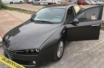 İzmir'de otomobilde kanlı infaz: Miras kavgasında kuzeni tarafından öldürüldü!
