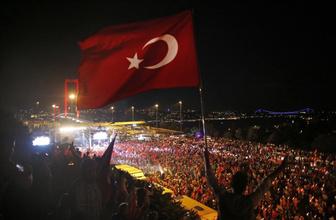 Türkiye 15 Temmuz kahramanlarını saygıyla anıyor