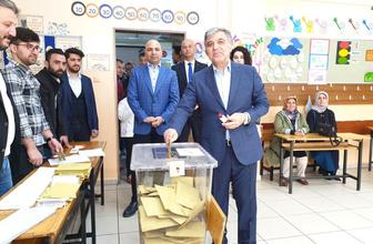 Abdullah Gül oyunu kullandı seçim mesajı verdi