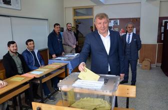 Çorum Dongurda'daki köy iki belediye başkanı çıkardı