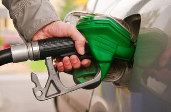 İstanbul benzin fiyatları zam geldi kaç para oldu güncel pompa fiyatı