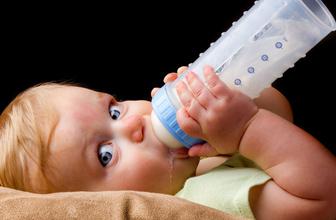 Biberonla beslenen bebekler hakkında korkutan uyarı