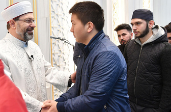 Diyanet İşleri Başkanı Ali Erbaş gençlerle buluştu