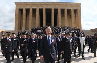 Süleyman Soylu ve polisler, Anıtkabir'de! Bakın deftere ne yazdı?