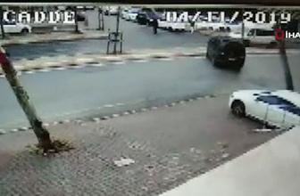 Ataşehir'de minibüs bir başka minibüse ok gibi saplandı