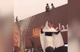 Alaa Salah Sudan'da direnişin sembolü oldu!