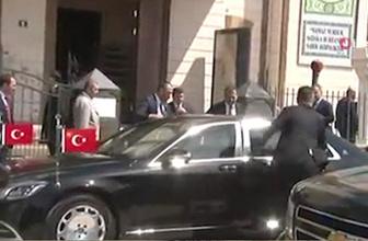 Cumhurbaşkanı Erdoğan ve Binali Yıldırım cuma namazını birlikte kıldı