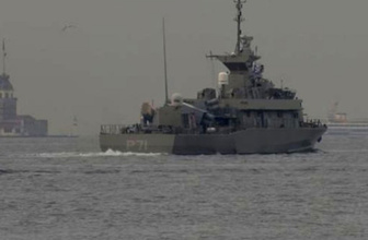 Boğaz'dan geçen Yunanistan gemisinde dikkat çeken detay