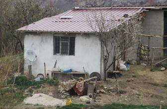 Dinar'da evlerinde ölü bulunan iki kız kardeş