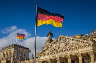 Almanya'da hakimler 'haşema yasağına itirazı' kabul etti