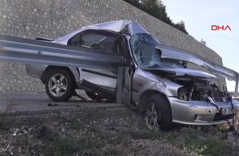 Karaman'da bariyerlere saplanan otomobil, uçuruma düşmekten kurtuldu