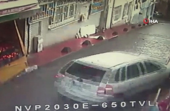 Beyoğlu'nda freni patlayan araç tehlike saçtı
