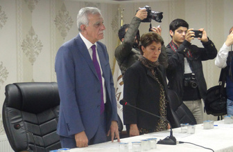 Mardin Büyükşehir Meclisi'nde İstiklal Marşı tartışması