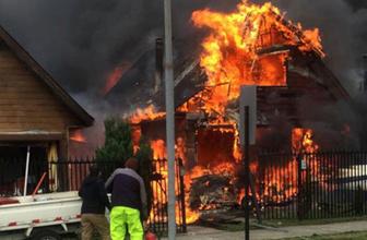 Şili'de küçük uçak evlerin üzerine düştü 6 ölü