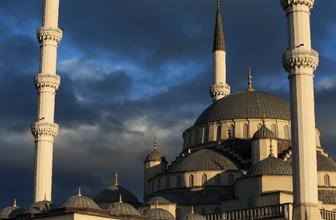 Ankara iftar vakti ne zaman Diyanet imsakiyesi iftara kaç saat kaldı