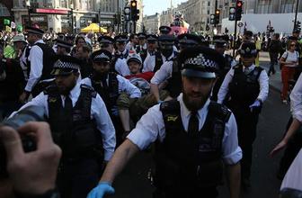 Londra'daki işgal eylemine yüzlerce gözaltı