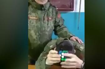 Rubik küpünü gözleri kapalı çözdü