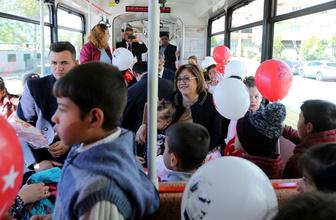 Fatma Şahin öğrencilerin tramvay hayalini gerçekleştirdi